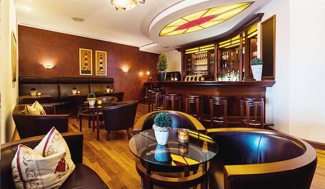Gemütliche Hotelbar im Strandhotel Ostfriesenhof